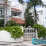 1.- Casa Luz - Front view