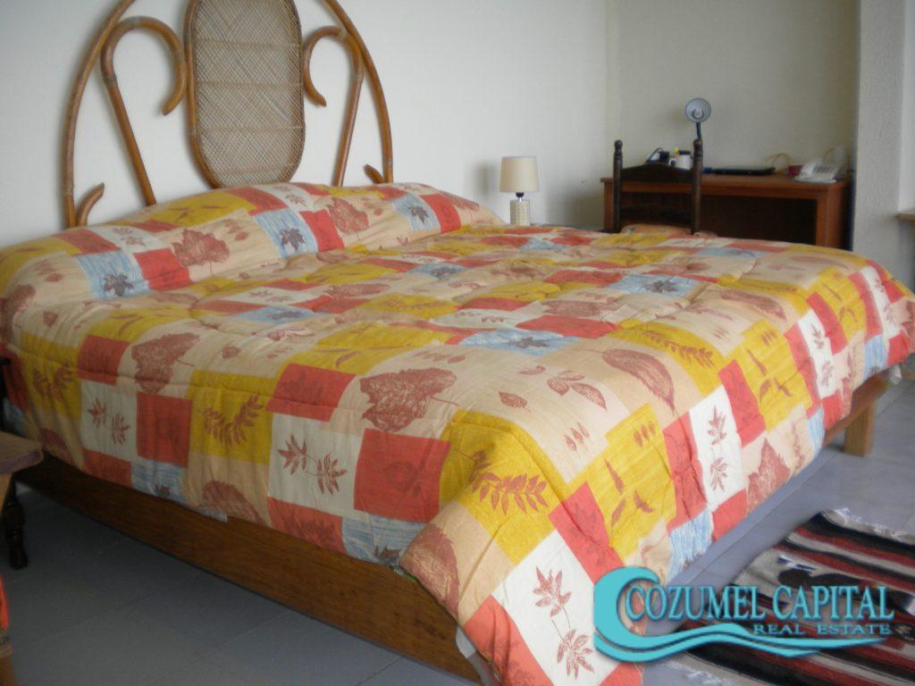 3.- Condo Cantamar 502 - Master bedroom