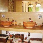 Main Bathroom with two vanities / Baño Principal con dos lavamanos
