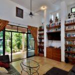 5.- Casa Bonanza - living room & garden door