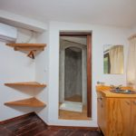 25. Holistico - 2nd floor king bathroom